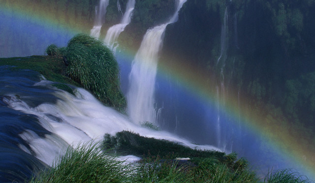 the rainbow in iguazu falls